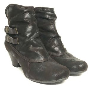 Bare traps retro look ankle boots